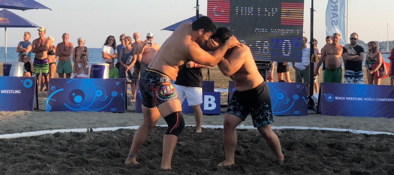 Jose Cuba Loitando no mundial de Loita Praia